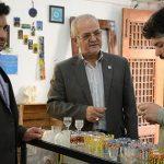 آرزوی  من ایجاد اتحادیه  هنرمندان صنایع دستی یزد است