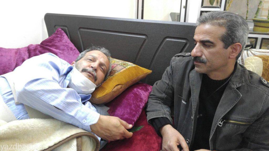 عیادت مدیر کل صدا و سیمای یزد از محمد رضا امیر خانی